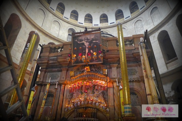Lines and lines of tourists flocked towards this huge structure--the entrance to the tomb of Jesus Christ.
