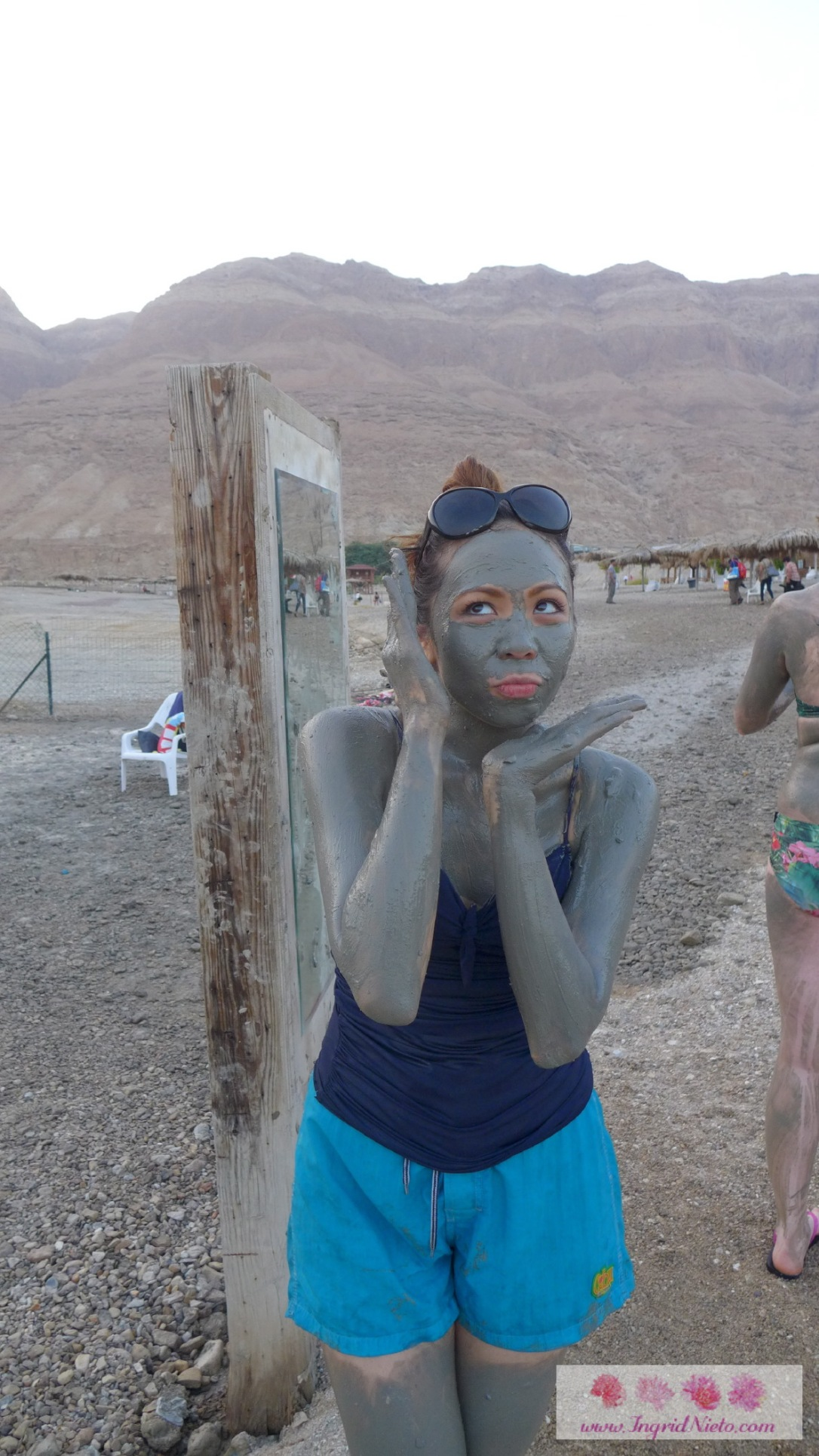 Of course I had to try it on. This is one Israel experience I won't forget! I had the mask on for about 15-20 minutes (we only had an hour to spend). My skin was baby-smooth and lovely to touch when I washed it off! Imagine if I left it on for about 30 minutes!