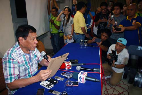 PHOTO 01: NOT RUNNING – Davao City Mayor Rodrigo Duterte, in a press conference on Monday afternoon at the Grand Men Seng Hotel declared he is not running for president in next year's election and that he will resign from public life in 2016. (Alexander D. Lopez) (Photo Taken: 07 September 2015)